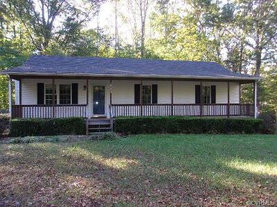 Powhatan County Single Family Home For Sale: 5653 Lakeside Loop