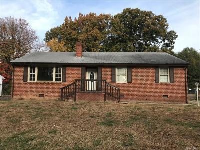 Petersburg Single Family Home For Sale: 215 Holly Hill Drive