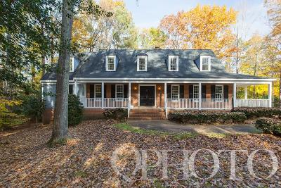Midlothian Single Family Home For Sale: 332 Rexmoor Place