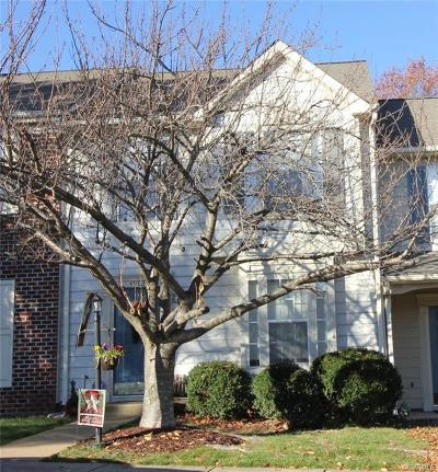 Condo/Townhouse Sold: 4902 Donegal Trace Court #4902