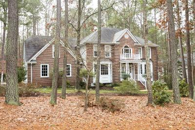 Chesterfield County Single Family Home For Sale: 15305 Fox Briar Lane