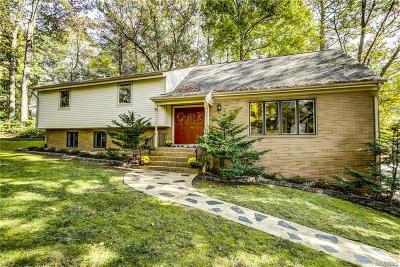 Richmond Single Family Home For Sale: 301 Berwickshire Drive
