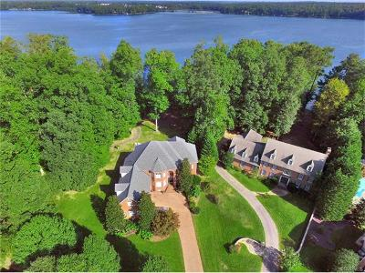 Chesterfield Single Family Home For Sale: 5202 West Shore Road