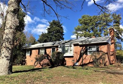 Chesterfield County Single Family Home For Sale: 5236 Gravelbrook Drive