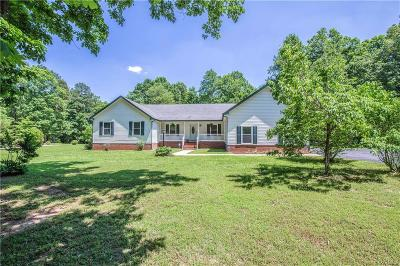 Amelia County Single Family Home For Sale: 10333 Redfield Drive