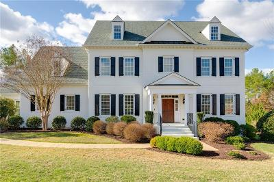 Midlothian Single Family Home For Sale: 2506 Maple Hall Court