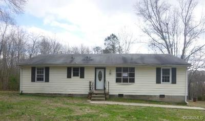 Petersburg Single Family Home For Sale: 8401 Graves Road