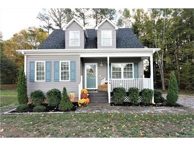 Nottoway County Single Family Home For Sale: 257 Lunenburg Ave Ext