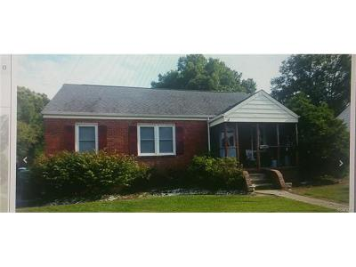 Colonial Heights Single Family Home For Sale: 221 Maple Lane