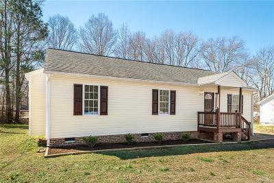 Nottoway County Single Family Home For Sale: 825 Nottoway Avenue