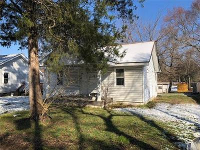Hopewell VA Single Family Home For Sale: $38,000