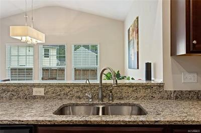 Chesterfield Single Family Home For Sale: 5906 Regal Crest Court