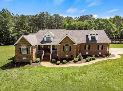 South Chesterfield Single Family Home For Sale: 19101 Woodpecker Road