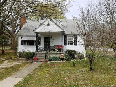 Blackstone Single Family Home For Sale: 400 Sixth Street