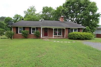 Farmville Single Family Home For Sale: 1205 Fifth Ave
