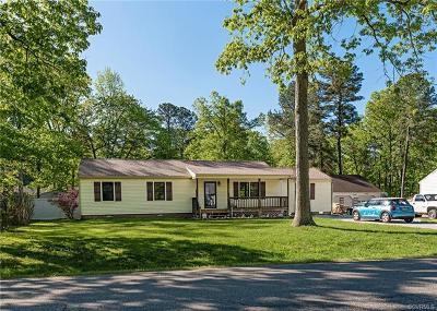 South Chesterfield Single Family Home For Sale: 19503 Foxbrook Drive