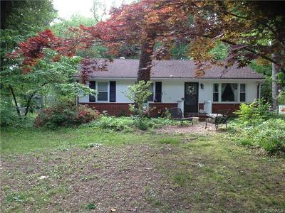 Richmond Single Family Home For Sale: 156 South Arch Road