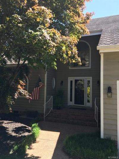 Midlothian Single Family Home For Sale: 14305 Shelter Cove Road