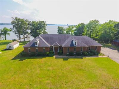 Charles City Single Family Home For Sale: 2401 Harrison Point Drive