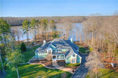 Chester Single Family Home For Sale: 15713 Chesdin Point Drive