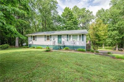 Powhatan Single Family Home For Sale: 1122 Clayton Road