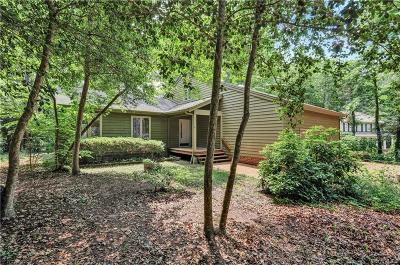 Midlothian Single Family Home For Sale: 13707 Hickory Nut Point