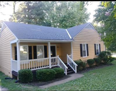 Chesterfield Single Family Home For Sale: 1700 Meadow Farm Drive
