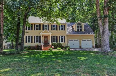 Midlothian Single Family Home For Sale: 7925 Kentucky Derby Drive