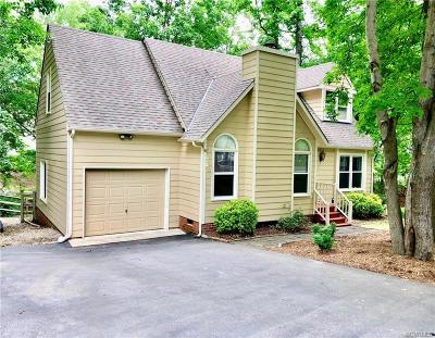 Midlothian Single Family Home For Sale: 2002 Deer Meadow Court