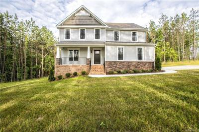 Powhatan Single Family Home For Sale: 6221 Walnut Tree Drive
