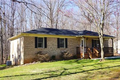 Amelia County Single Family Home For Sale: 8300 Daybreak Drive