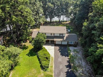 South Chesterfield Single Family Home For Sale: 1200 Pondola Lane