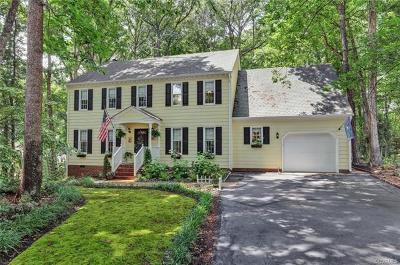Midlothian Single Family Home For Sale: 5702 Oak Knoll Lane