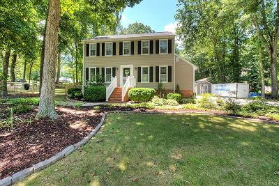 Chesterfield County Single Family Home For Sale: 11625 Smoketree Drive