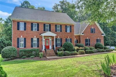 Henrico Single Family Home For Sale: 2704 Logan Estates Run