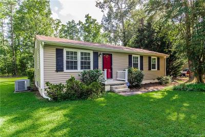 South Chesterfield Single Family Home For Sale: 10201 Hickory Road