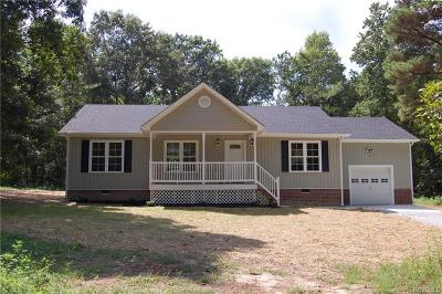 Powhatan VA Single Family Home For Sale: $249,900