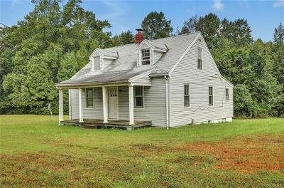 Louisa Single Family Home For Sale: 1097 Courthouse Road