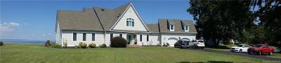 Middlesex County Single Family Home For Sale: 49 N Shore Circle