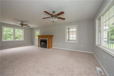 Farmville Single Family Home For Sale: 102 Carson Mills Drive