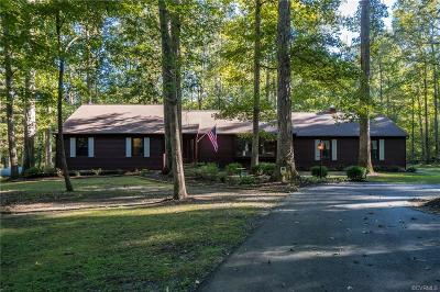 Chesterfield Single Family Home For Sale: 12631 Donegal Drive
