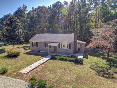 Powhatan County Single Family Home For Sale: 4617 Old Buckingham Road