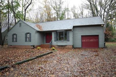 Chesterfield Single Family Home For Sale: 7516 Deerfield Drive