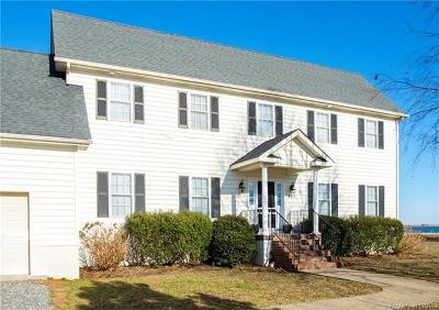 Single Family Home For Sale: 227 Pinetree Drive