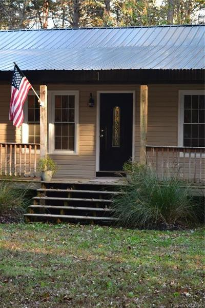 Amelia County Single Family Home For Sale: 10225 Arbor Drive
