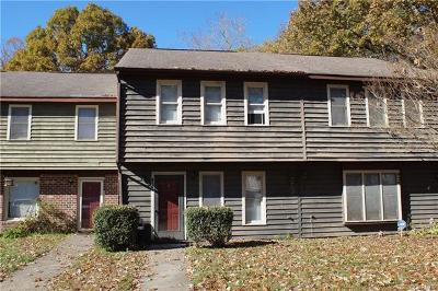 Henrico County Condo/Townhouse For Sale: 430 Hickorywood Circle