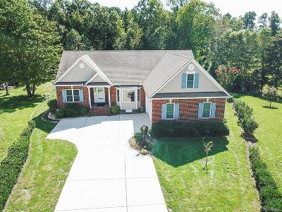 Chesterfield County Single Family Home For Sale: 9337 Mission Hills Lane