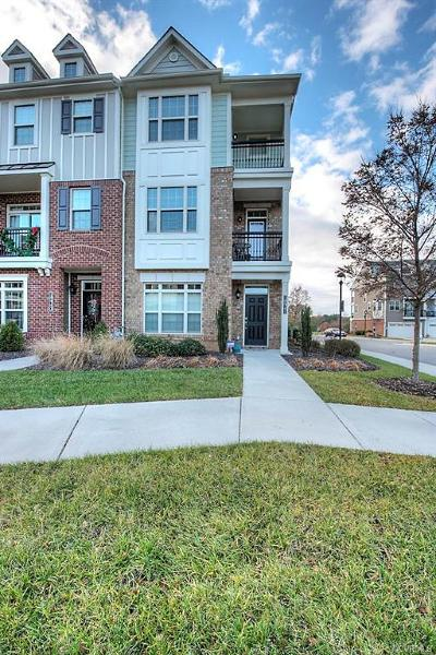 Henrico Condo/Townhouse For Sale: 10941 Parkshire Lane
