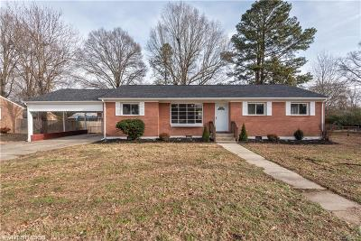 Colonial Heights Single Family Home For Sale: 113 Homestead Drive
