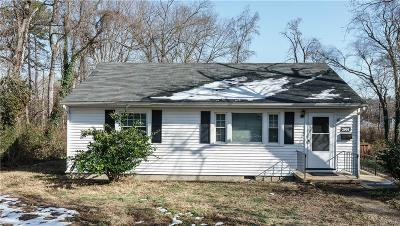 Henrico Single Family Home For Sale: 2004 Oakwood Lane